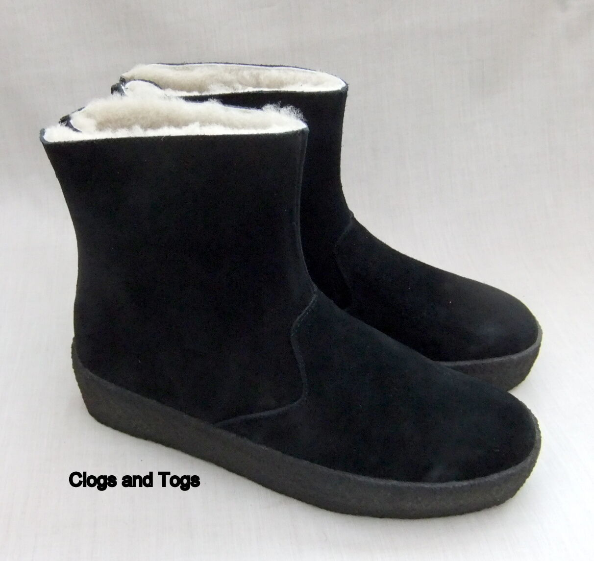 NEW CLARKS ORIGINALS JEZ ICE WOMENS BLACK SUEDE SHEEPSKIN BOOTS SIZE 4 / 37