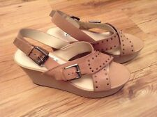 New🌴 Clarks🌴UK 9 Trophy Crown Blush Pink Beige Nude Leather Wedge Sandals 43EU