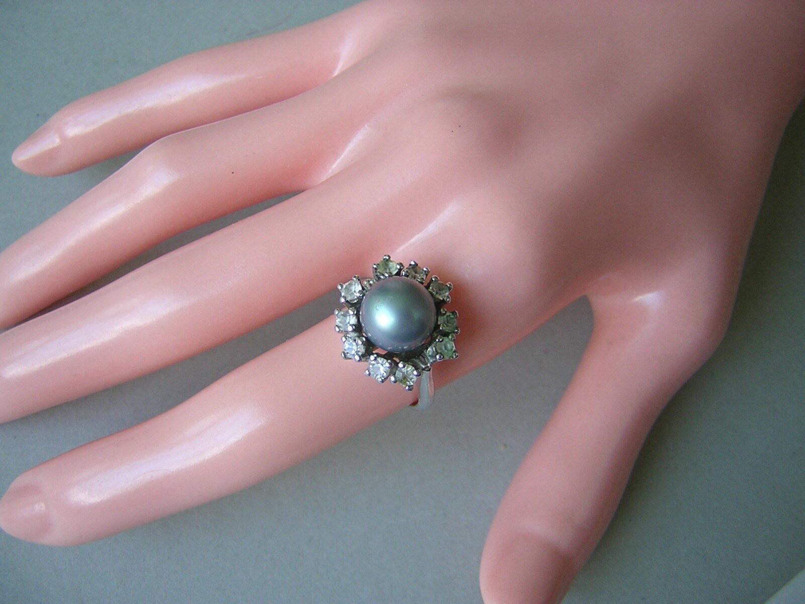 925 silver Ring mit einer bluegreyen Perle und klaren Steinen 6,1 g RG 50
