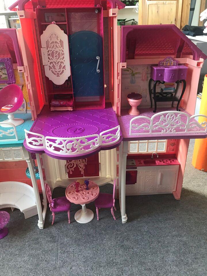 Barbie, Barbiehus