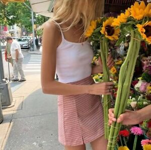 brandy-melville-white-crop-ribbed-pink-floral-skylar-tank-top-NWT-sz-XS-S