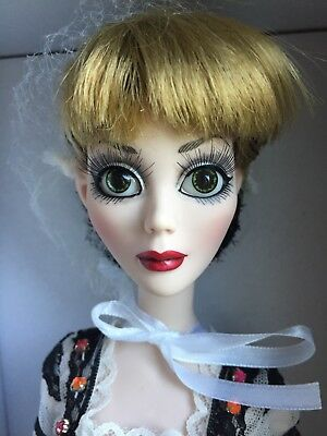 Trustful Tonner Wilde Imagination Noches En Ipswich Evangelina Fantasmal Moda Muñeca Nib Fragrant In Flavor