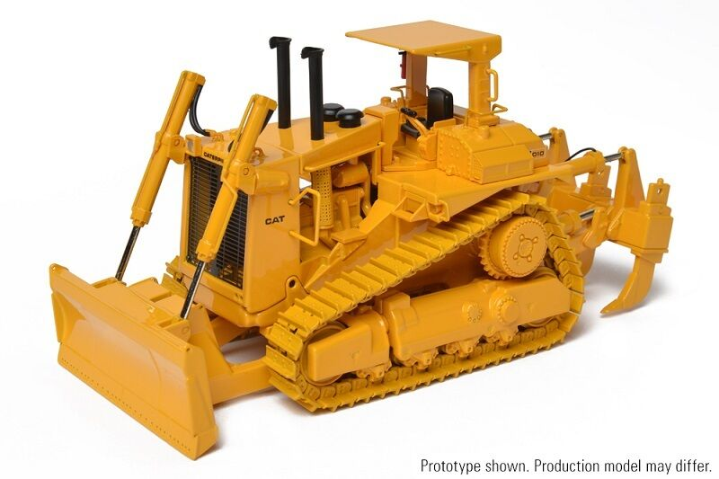 §CCM CAT D10 Tractor with push Blade w  ripper (open ROPS) Caterpillar 1 48 NIB