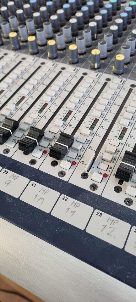 GB8 Soundcraft 32 kanaler + 8, Soundcraft GB8