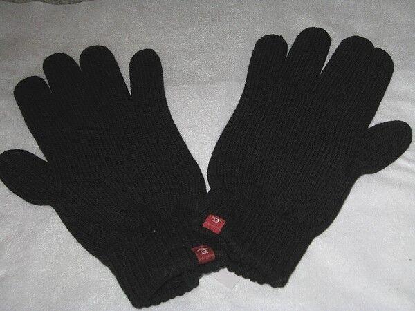 BRAND NEW ORIGINAL PENGUIN Knitted Winter Gloves Black