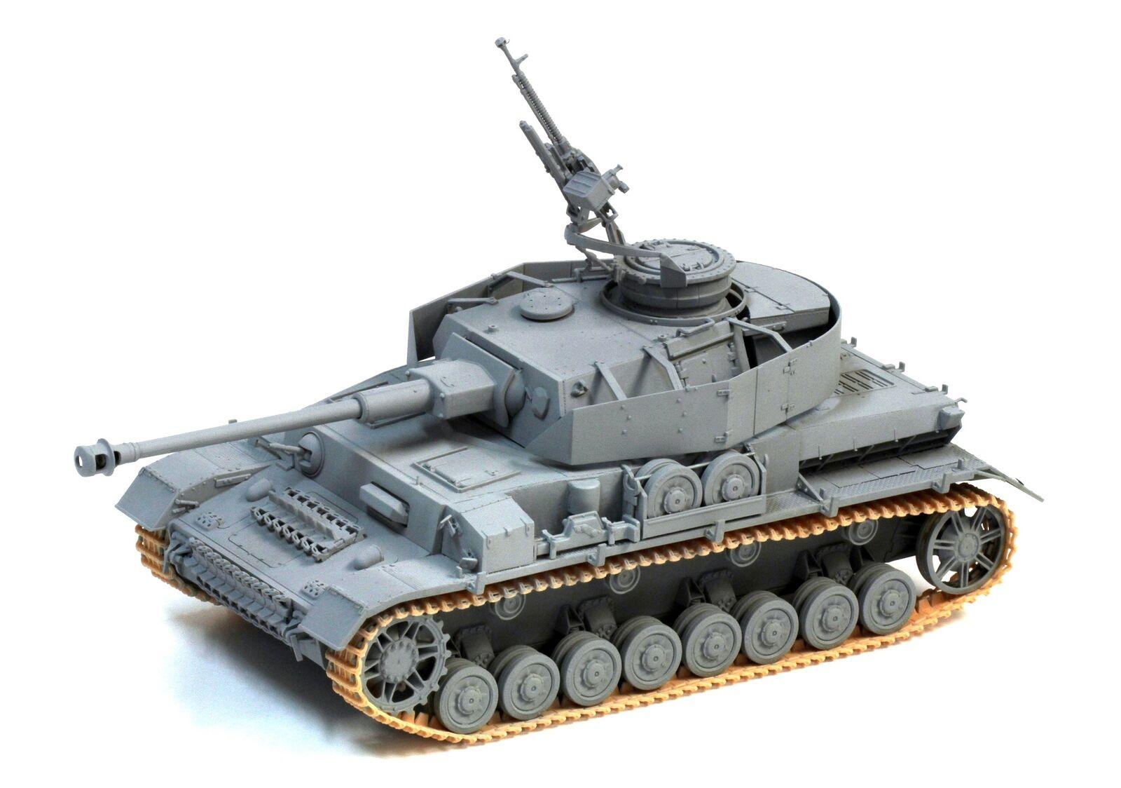 Dragon Models 1 35 Arab Panzer IV -  The Six-Day War  50th Anniversary Edition