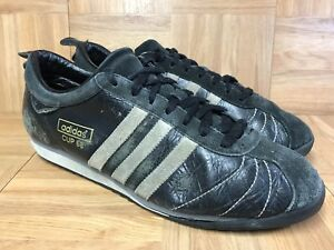 Single Worn Adidas Cup 68 Trainer Stock Photo: 47440272 Alamy