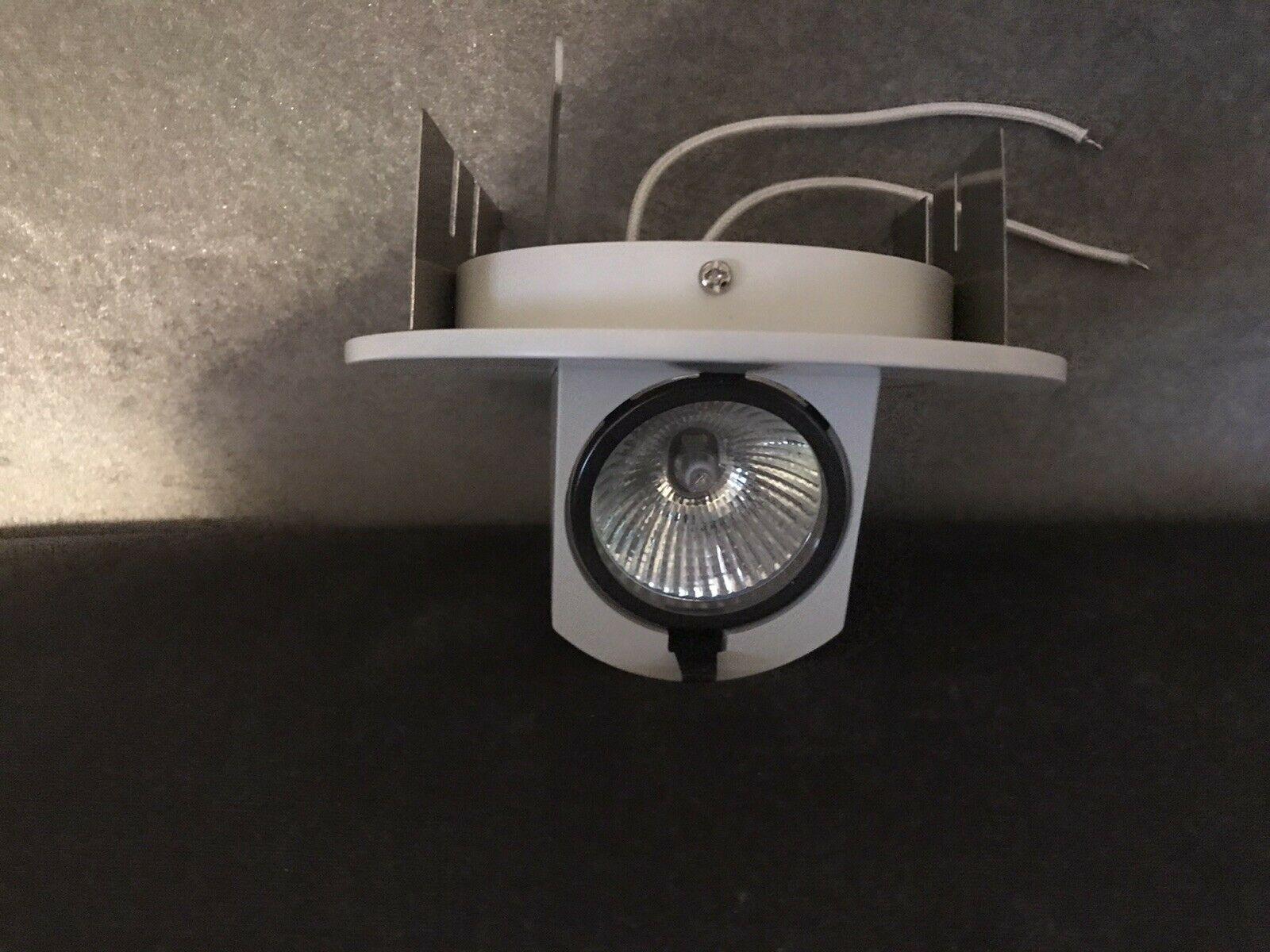 """RECESSED LIGHTING WAC HR-8425 5/"""" ADJUSTABLE TRIM-WHITE.PERISCOPE WITH BULB"""