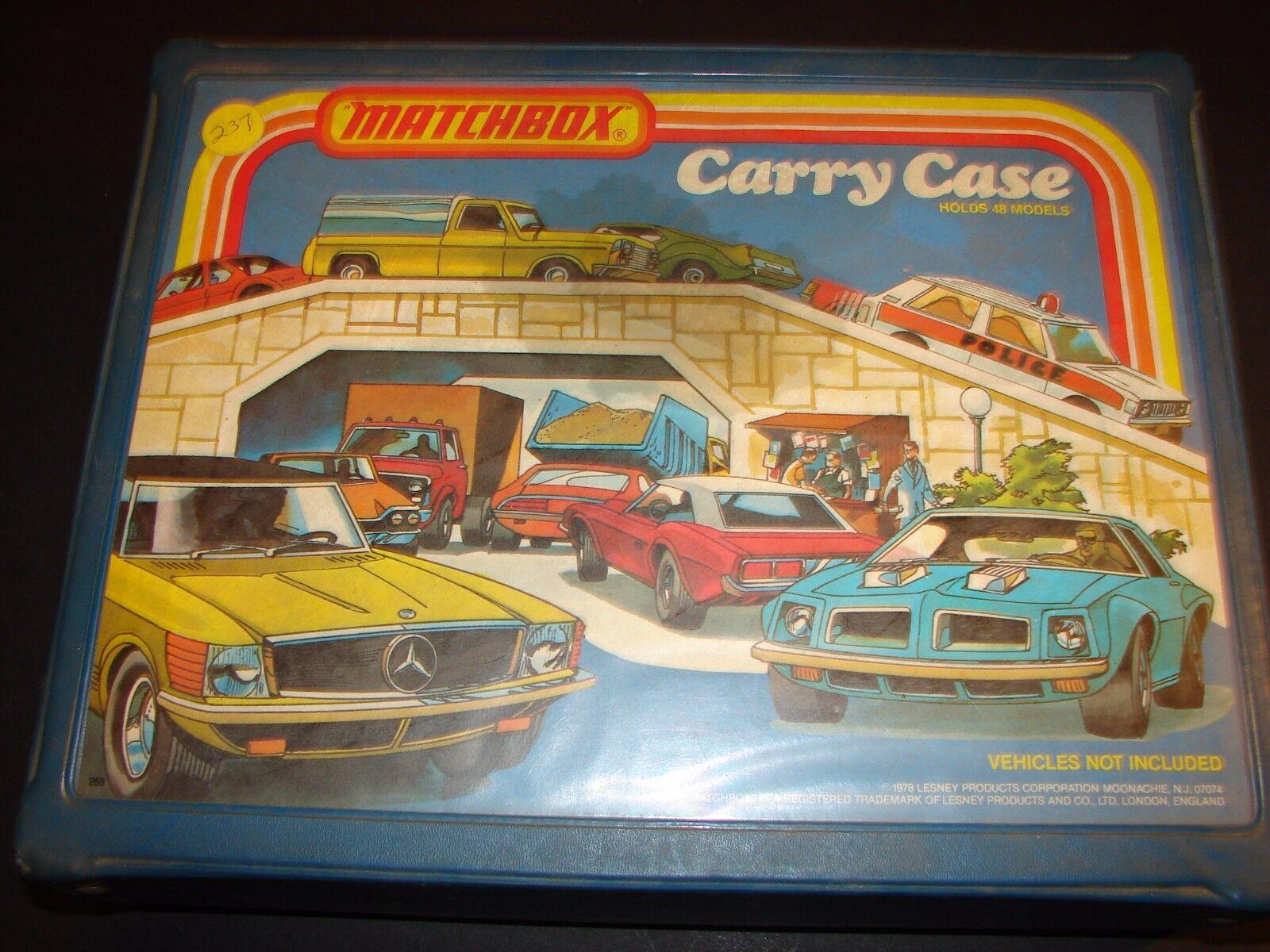 Lot vintage de 48 Matchbox, Lesney voitures CORGI HOTWHEELS 1970 Collectors Case