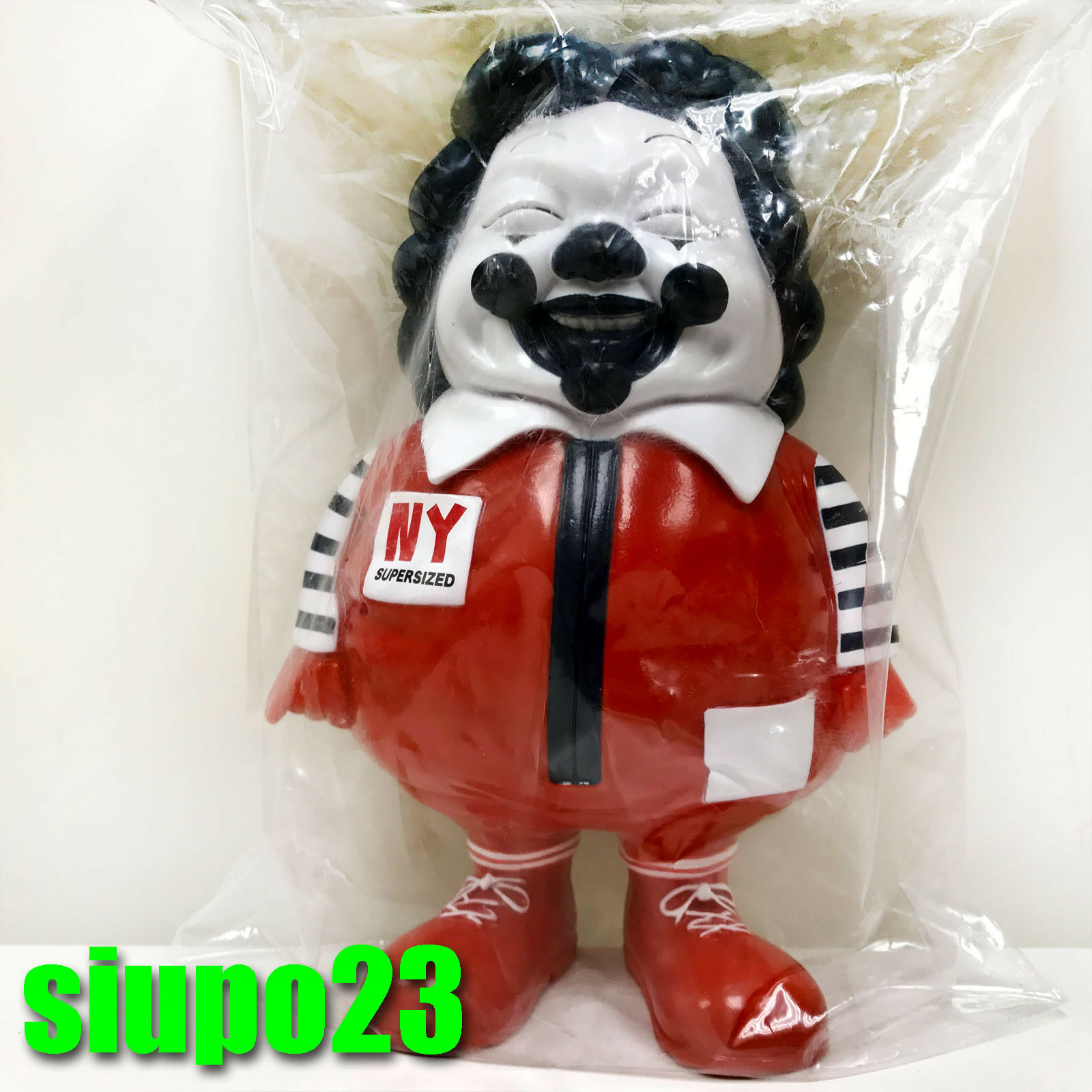 Secret Secret Secret Base Ron English Popaganda MC Super Sized NYCC Figure 2pcs ce2229
