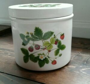 Portmeirion-Summer-Strawberries-Canister-Jar-With-Lid-4-5-inches-tall-Vintage