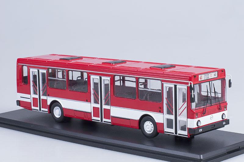 LIAZ 5256 USSR   russian Stadt bus  1 43 Sternt Scale Modells SSM4021