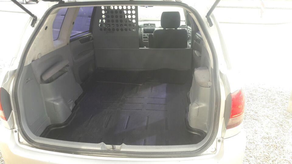 Toyota Sportsvan 2,0 D-4D Diesel modelår 2003 Sølvmetal km