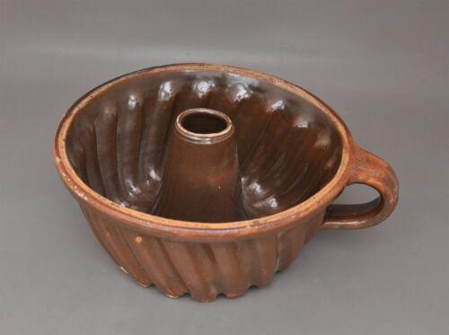 Alte bäuerliche Keramik Guglhupf-Form Backform Kuchenform Landhaus