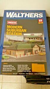 Walthers-HO-Scale-Modern-Suburban-Station-Kit-NIB