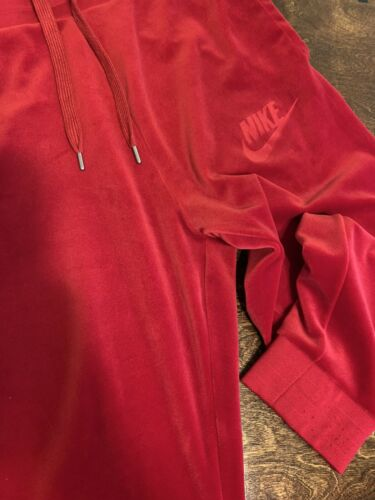 red nike sweats