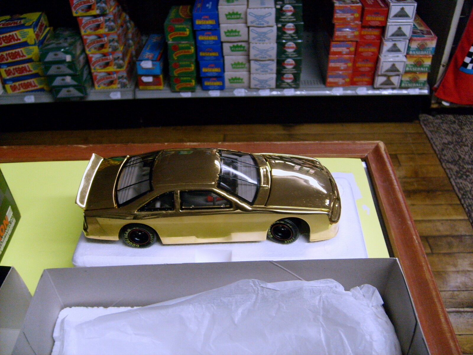 1997 1997 1997 ACTION PERFORMANCE HEADQUARTERS GRAND OPENING 1 24 gold CAR HARD TO LOCATE 12d1c4