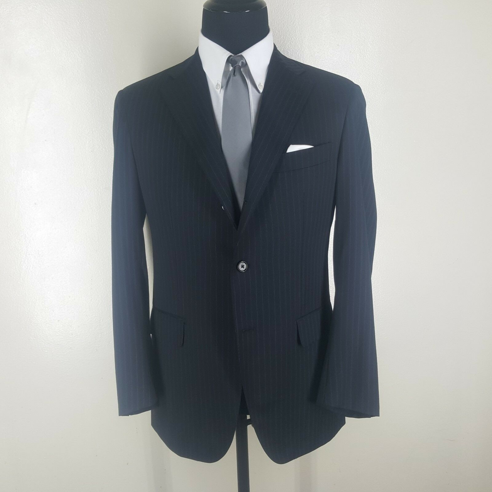 BARNEYS NY bluee Striped Suit 3 Btn Side Vents Flat Front Pants  40 R-Fit 42 Reg