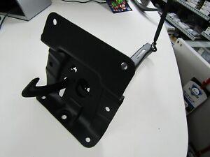 1970-1971-1972-Monte-Carlo-Nice-original-hood-latch-assembly