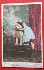 CPA. 1906. Toutou Grand Père. Chien Humanisé.Petite Fille. Rideau 1900. Fauteuil