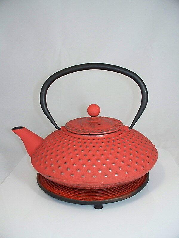 Emaillierte Gusseisen Teekanne  Kambin  1,25 l kaminrouge mit Untersatz & Sieb neu