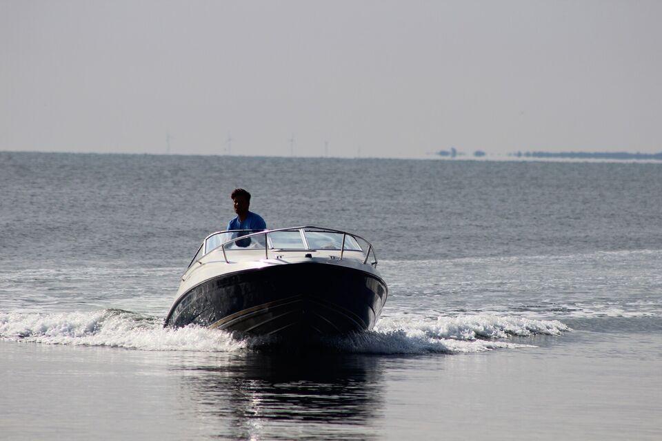 Maxum, Motorbåd, årg. 1993