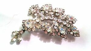 Fabulous-Rhinestone-Brooch-Vintage-Pin-with-Dangle