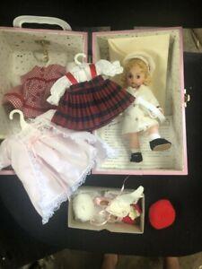 Madame-Alexander-Pink-Metal-Doll-Trunk-Nashville-Cruise-039-94-Winter-Wonderland