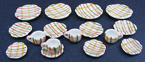 1-12-Scale-16-Piece-Ceramic-Tea-Set-With-Check-Motif-Dolls-House-Miniature-TS28