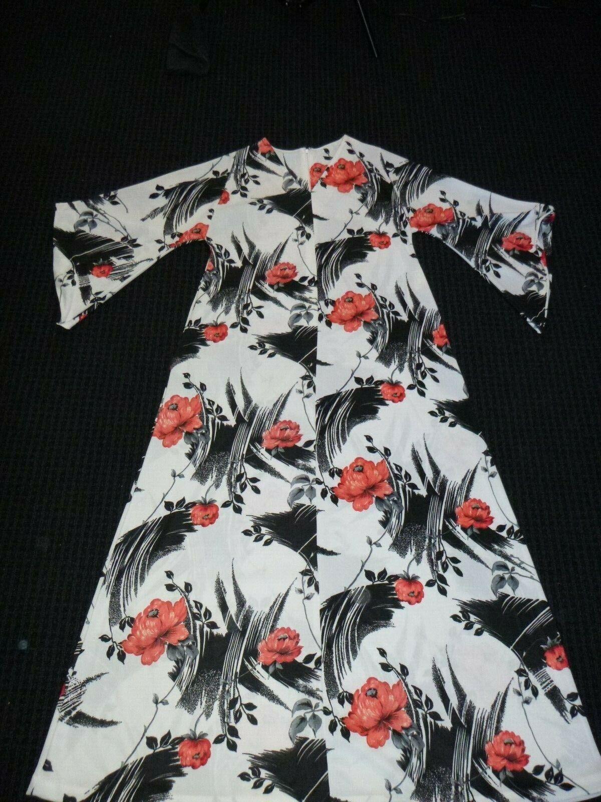 NOS Vtg 70s Beeline Fashions Polyester Maxi Dress MuuMuu White Red Floral Sz L