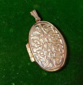 Vintage 9ct Rose Gold Celtic Interlocking Knot design Sentiment Locket Ci 84