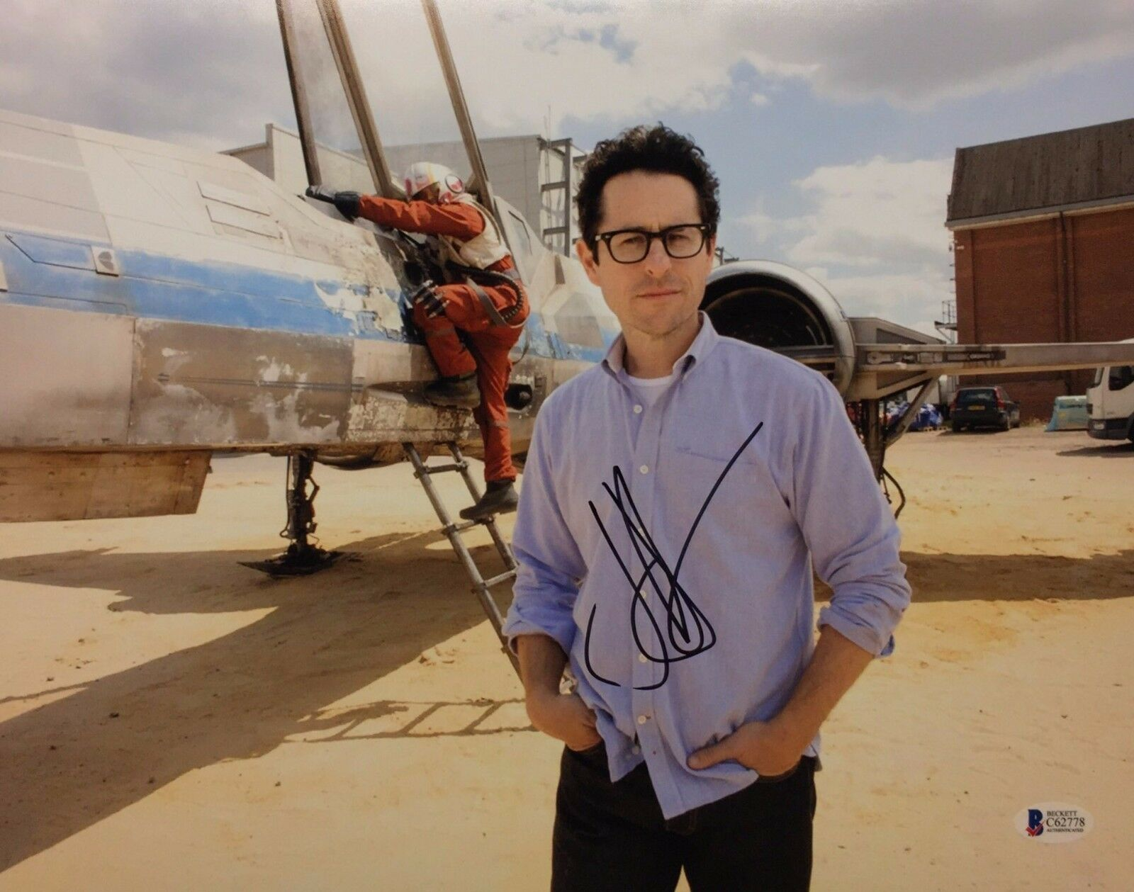 J.J. Abrams Signed 11x14 Star Wars Photo *The Force Awakens BAS Beckett C62778