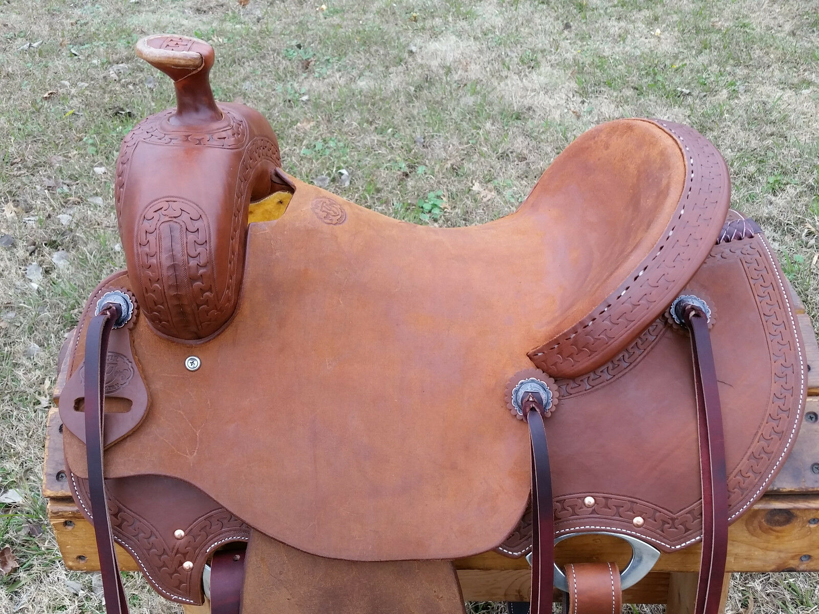 16  Spur Saddlery  Ranch Roping Saddle (Made in Texas)  100% authentic
