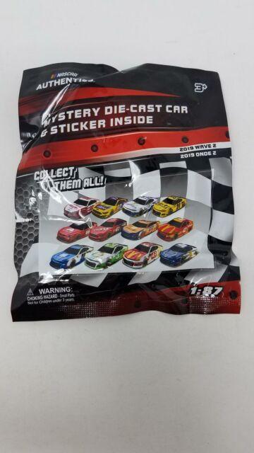 t NASCAR Auth DieCast Car Sticker Wave 2 2019 Mystery Car Pk 1:87 Scale Die-Cast