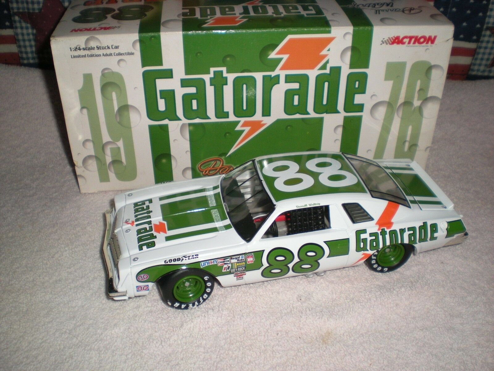 ACTION 1976   GATORADE   CHEVELLE  MINT