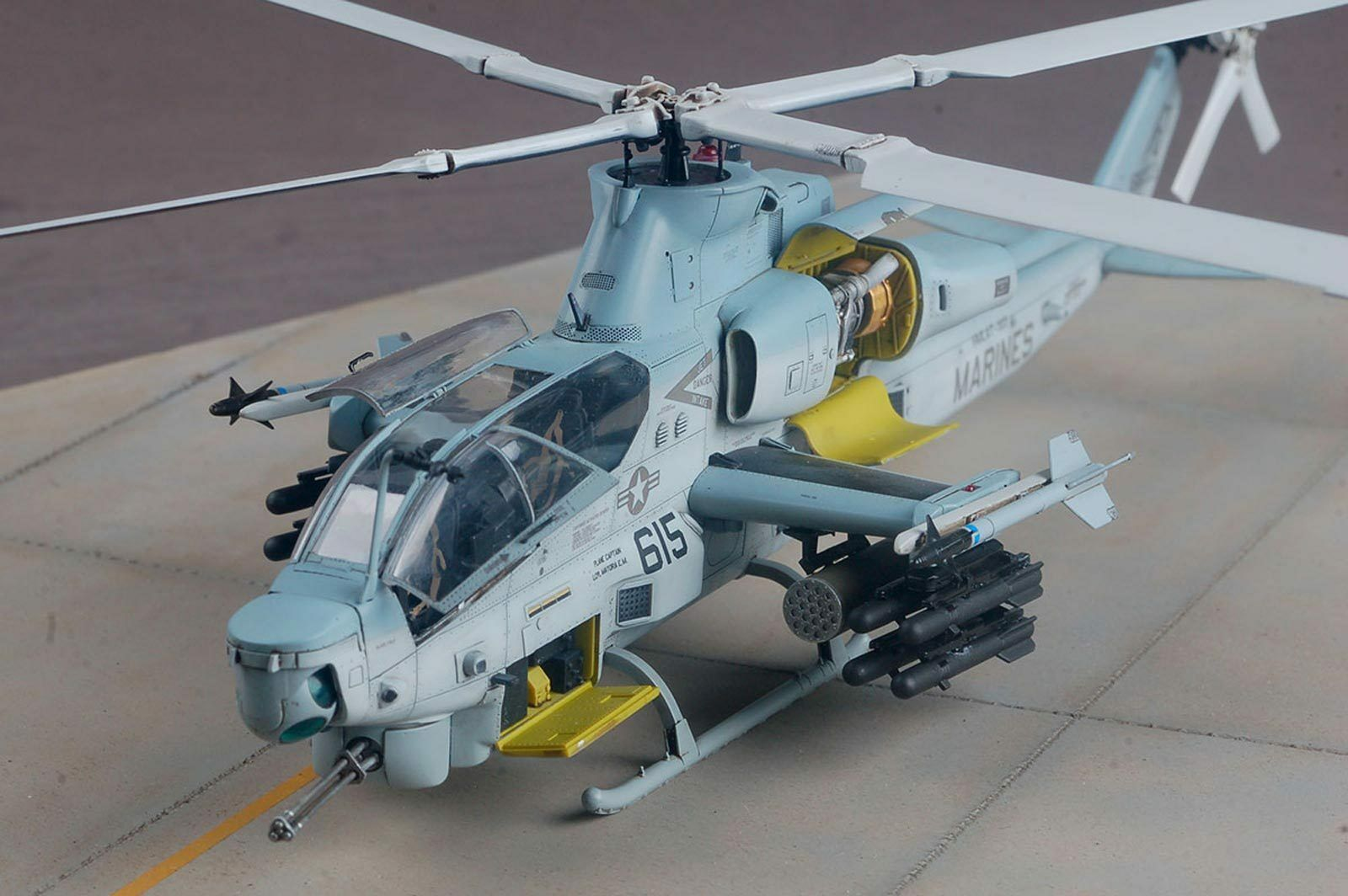 1 48 AH-1Z VIPER Helicopter Model Kit Unassembled PS Plastic Brand New