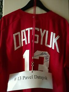ONE-OF-A-KIND-PAVEL-DATSYUK-SIGNED-GAME-USED-DETROIT-RED-WING-039-S-SOFTBALL-JERSEY