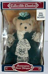 Vintage-Telas-Oso-Shoppe-Victoriano-Oso-con-Puntillas-Verde-Vestido-IOB