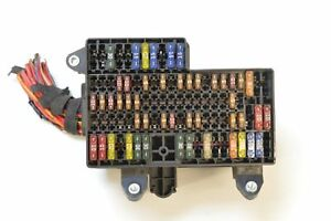 vw phaeton 3 0 v6 tdi 2009 rhd fuse box relay with fuses 3d2937495 rh ebay co uk 2012 Volkswagen Jetta Fuse Box Diagram Fuse Relay Box