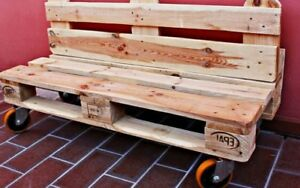Divanetto poltrona realizzata con recupero bancali e ruote for Panchine con bancali