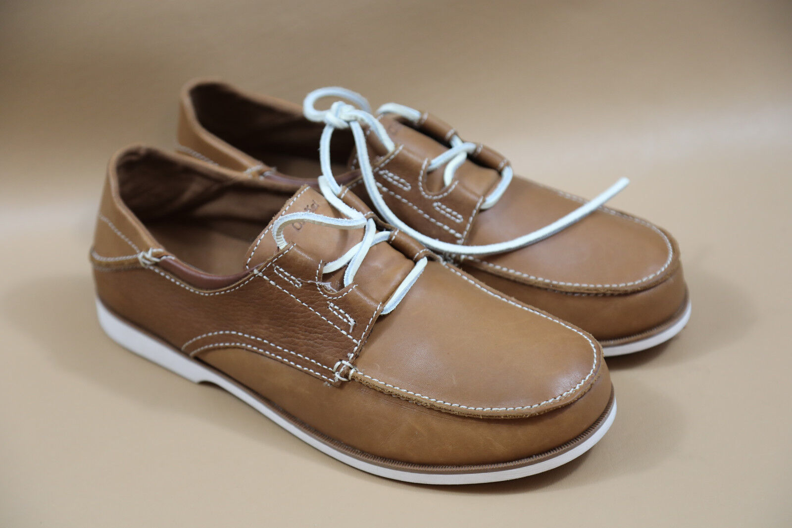 82  OLUKAI Men's MOKU Leather Boat shoes Size 9.5