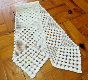 Narrow-crochet-table-runner-Lace-Long-White-Doily-Vintage-Hadmade-Dresser-Scarf