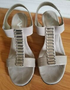 Anne-Klein-AK-Sport-Sandals-Tan-Elastic-Straps-Wedge-Heel-Open-toe-SZ-8-5M