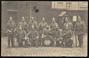 WW1-GERMAN-PLATOON-PICKEHAUBE-MAUSER-RIFLE-ANTIQUE-RPPC-PHOTO-POSTCARD