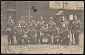 WW1-GERMAN-PLATOON-PICKEHAUBE-MAUSER-RIFLE-ANTIQUE-RPPC-PHOTO-POSTCARD