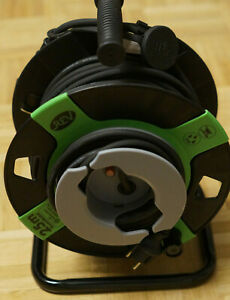 REV-0010505412-Kabeltrommel-25m-Schwarz-Schutzkontakt-Gummi-Stecker
