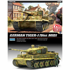 Academy 13287 GERMAN TIGER-I Ver. MID 1 35 Plastic Hobby Model Kit Tank