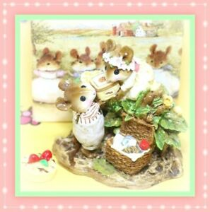 Wee-Forest-Folk-Picnic-on-the-Riverbank-FS-06-1993-White-Dress-Basket-Mice