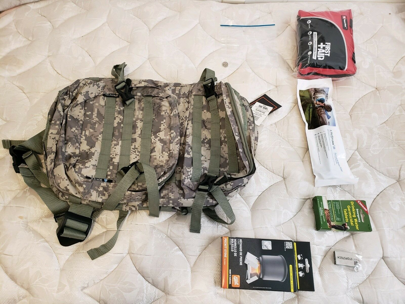 STARTER SURVIVAL   BUG OUT BAG    WITH SOME ESSENTIAL ITEMS  classic style