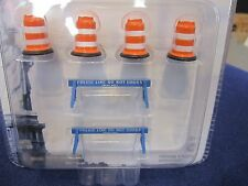 GreenLight NYPD New York City Police Barriers Barricades & Traffic Barrels 1:64